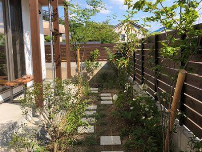 法蓮町の庭